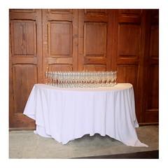 Glasses (ngbrx) Tags: caerffilicastle wales caerffili caerphilly cymru uk united kingdom grossbritannien great britain vereinigtes knigreich burg table tisch glser tischdecke
