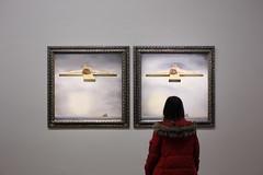 IMG_0191 (GBoGBo) Tags: pictures people paris stereoscopic 3d pair watching exhibition stereo exposition convergence dali salvadordali parallel sidebyside centrepompidou dal oiloncanvas salvadordal 2013 canonef35mmf2isusm