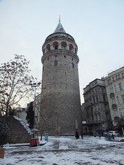 Galata Tower in snow (CyberMacs) Tags: snow building tower weather architecture turkey fort trkiye places istanbul trkorszg bastion galata kule beyolu galatatower galatakulesi towerofchrist christeaturris constantinoble galatasurlar othernames galatawalls