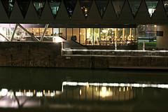 Restaurant Frankfurter Botschaft am Westhafenpier (S. Ruehlow) Tags: restaurant pier frankfurt westhafen innenstadt gastronomie langzeitbelichtung gutleutviertel frankfurterbotschaft karpfenweg nchtlichebeleuchtung