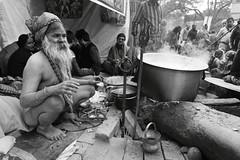 IMG_2736 (kaparu2 @ Kev Ryan) Tags: camp holy transit hindu kolkata sadhu mela pilgrims gangasagar