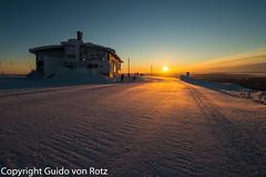 kslompolo / Yllstunturi 2 (_guido_) Tags: schnee finnland lappland haus sonne sonnenaufgang piste kslompolo kolari yllstunturi