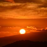 Red clouds over La Gomera island - Puesta de sol sobre La Gomera thumbnail