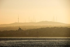 Istanbul, Turkey, 7:21 (Christiaan Triebert) Tags: sea sun tower water skyline radio sunrise turkey mediterranean istanbul iskele turkije turkish bosphorus mosques radiotower zonsopgang kadikoy eminn radiotowers istanboel landscapedreams yellowmorning cosmopolitancity turkishcity eminniskele
