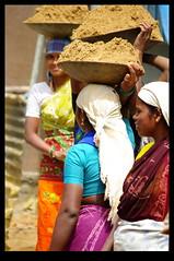 INDI0927 (Leopoldo Esteban) Tags: woman india mujer women femme bangalore karnataka mujeres femmes inde 8demarzo larki 8ofmarch leopoldoesteban