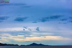 Tonos azules.- (Pablin79) Tags: blue sea summer sky beach water brasil clouds digital canon eos reflex holidays silhouettes 5d tones pipa camboriu markii canoneos5dmarkii 5dmkii pabloreinsch pabloreinschphotography pablin79