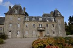 Normandie . Chteau de Bellenau (pontfire) Tags: jardin bellenau 50500 saintcmedumont chteau lamanche 50 parc normandie normandy bassenormandie