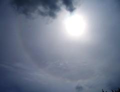 Weak solar halo 22 (Violet Planet) Tags: solar halo effect phenomenon atmosphere optics meteorology sky clouds cirrostratus