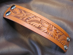 "GIBSON FLORAL CARVED LEATHER CUFF 1-3/4"" WIDE (JBruceGibson) Tags: gibson brucegibsondesign brucegibson leather cuff floral carve carved stamp stamped hermannoak premium american tanned natural oil made in usa flowers florida tan hand handmade bracelet sheridan"