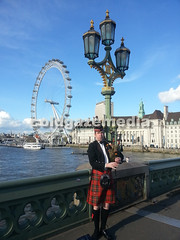 20160429_180749 (coldgazemedia) Tags: photobank stockphoto uk england london bluesky blue scenery landscape outdoor touristic thames londoneye westminster bridge westminsterbridge scottishpipe bagpipe bagpiper