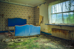 Any excuse to stay awake? (MGness / urbexery.com) Tags: moss schimmel lost place places urbex urban decay exploration lostplace urbanexploration abandoned decayed floor corridor ruine ruins forgotten dream abandones baby child bed rusty urbexery creepy explorer rdb rust fever bedroom sleep bett schlafzimmer hotel green blue window