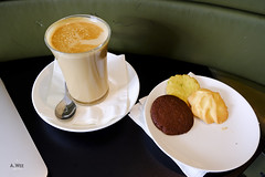 Coffee time (A. Wee) Tags: cathaypacific  thebridge  lounge hongkong hkg    china coffee  cookie