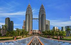 Twin Towers (MNmagic) Tags: klcc malaysia kualalumpur travel trip tower twittertuesday alfa sony a6300 sonya6300 sky skyline summer urban tree mnmagic mahernajm flickr city