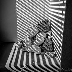 Jeux d'ombres et de lumires sur un Tas de cailloux (BO31555) Tags: bernard ondry blancoynegro bw 2016 09 black midipyrnes 31 immo stone shadow stripes hautegatonne blanc noir et blackwhite appt abstrait soleil blanco y negro lumire ombreetlumire immeuble urban noiretblanc 66 art hautegaronne bernardondry blackandwhite artiste monochrome immobilier appartement samsung s6 edge rayures rayure