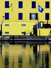 C' vita su questo pianeta (meghimeg(temporarily disconnected)) Tags: windows sea reflection men facade port mare porto riflessi 2012 finestre uomini facciata savona