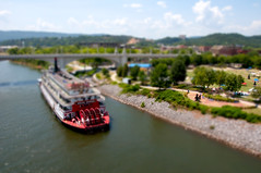 A Little Paddle Boat (justshootingmemories) Tags: chattanooga river miniature fireworks tennessee riverboat pops paddleboat paddlewheel tiltshift coolidgepark deltaqueen popsontheriver darylclark justshootingmemories