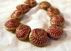 poppy beads in red (SelenaAnne) Tags: beads handmade polymerclay mica hollow embossed premo polyclay