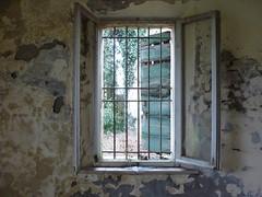 P1000079 (gzammarchi) Tags: italia natura finestra paesaggio interno ravenna inferriata camminata santalberto itinerario
