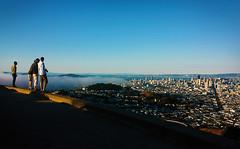 What the fog, again!? (carolinamadruga) Tags: sanfrancisco city friends people panorama amigos fog landscape four cuatro cityscape gente 4 group ciudad paisaje tourists twinpeaks niebla mirador vistapoint turistas panorámica