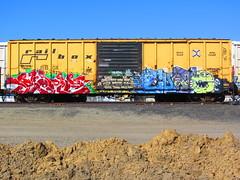 Serp Cuate (VDub (o\I/o)) Tags: california ca railroad art up train graffiti paint pacific union central tracks railway trains zee tags spray southern railcar bayarea wa unionpacific spraypaint boxcar panels graff aerosol tagging freight boxcars upac ridged fact trackside csx freights ttx rbox serp railart cuate railbox railside sopac benching fbox