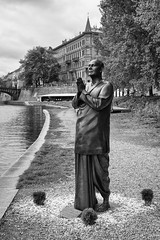 _MG_3793_bw (Prime_Focus) Tags: travel blackandwhite monochrome statue europe prague praying tranquility monk praha czechrepublic colorless oldcity travelphotography famouslandmark canonef24105mmf4lisusm lovelycity canoneos5dmarkii statueofharmony bohemiancity