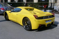 Paris Ferrari 458 Spider (descartes.marco) Tags: yellowferrari yellowcar ferrarisupercar ferrarijaune caravenuemontaigne parisplazza