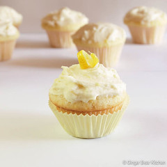 mini lemon cupcakes