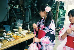 (r.ryo99) Tags: rollei rollei35 film fujifilm pro400h snap streetphotography girl girls kimono yukata