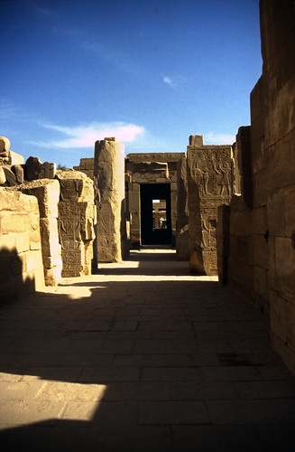 "Ägypten 1999 (326) Karnak-Tempel: Akh-menu des Thutmosis III. • <a style=""font-size:0.8em;"" href=""http://www.flickr.com/photos/69570948@N04/28491584633/"" target=""_blank"">View on Flickr</a>"