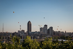 IMG_1325 (brian.abeling) Tags: hotairballoons balloon fly flight desmoines downtown skyline