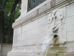 Confused Lion Fountain in Riverside Drive Park 3779 (Brechtbug) Tags: confused lion fountain riverside drive park 08212016 part the firemans memorial water fountains profile new york public parks 100th street nyc statues sculpture summer weather art architecture statue stone cool blue clear refreshing lions animal animals falling waters 2016
