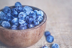 berries (Juavenita ) Tags: berries blueberries bowl fresh