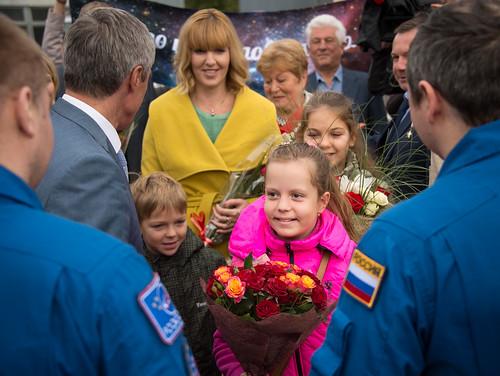Expedition 48 Soyuz TMA-20M Landing (NHQ201609070054)