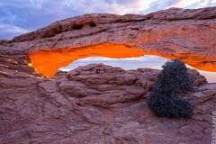 Mesa Arch (Eddie 11uisma) Tags: park southwest landscapes glow arch desert national canyonlands eddie mesa lluisma