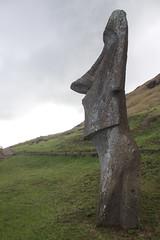 Easter Island (Rapa Nui), Rano Raraku (kurtlae) Tags: chile flickr 5 5500 rapanui ranoraraku enskild chile150