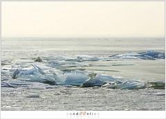 Kuiend ijs (1D134556) (nandOOnline) Tags: winter berg nederland natuur vuurtoren marken landschap noordholland ijselmeer ijs vorst markermeer vriezen ijsschotsen kruiendijs dooien paardvanmarken