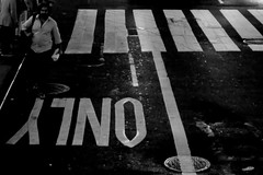 The Only Way (Mr. Pebble / Bildwerfer) Tags: street nyc newyorkcity usa ny newyork monochrome night canon nightshot nacht streetphotography vereinigtestaaten strase streetfotografie