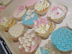 Vintage Cupcakes 1