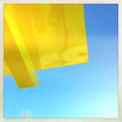 """#yellow #blue #shine #abstraction • <a style=""""font-size:0.8em;"""" href=""""https://www.flickr.com/photos/61640076@N04/8493238570/"""" target=""""_blank"""">View on Flickr</a>"""