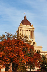 915-03 (Joe-Lynn Design) Tags: autumn canada building heritage fall winnipeg manitoba government oldbuilding legislative