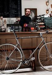 Cafe Racer (Horlaender) Tags: bike cafe nikon singlespeed fixie carlzeiss fixi d300s distagont1435 zeisscontest2012