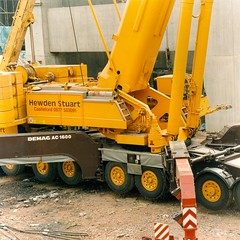 Hewden Stuart AC 1600 (Bournemouth 71B / 70F) Tags: mobile crane head boom block chassis hook derrick root heavy jib strut sections slew ballast lifting hoist telescopic counterweight outriggers