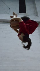 Mortal engrupado (vivitarexperiencias) Tags: portugal girl youth trampoline flip trick gym fille jovem tumbling gymnastic mortal tuck rapariga jeune ginasio ginastica lgc trampolim trampolins yoiung engrupado