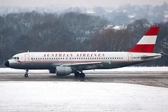 Austrian Airlines Retrojet OE-LBP (Dave707) Tags: snow airport birmingham airbus takeoff ati austrian a320 320 tyrolean bhx austrianairlines retrojet egbb oelbp airteamimages