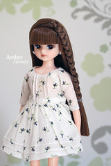 New dress (Amber-Honey) Tags: castle fashion doll chan crafty takara licca tomy cosmia takaratomy