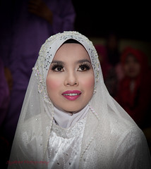 Farini (sydbad) Tags: wedding white men girl canon bride women flash jewelery metz kelantan 24105mm pasirputeh tokbali 5dmk2