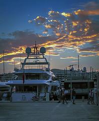 sunset in the harbor  -  aterdecer en el puerto (ibzsierra) Tags: ibiza eivissa baleares canon 7d 224105 is usm puerto port harbor cielo azul blue sky nube cloud sunset