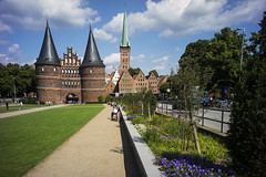 Holsten Gate Luebeck Germany Architecture (mkleinmanns) Tags: unesco world heritage matthiaskleinmanns holsten tor gate architecture building luebeck lbeck germany holstentor gothic holsteintor citadel towers