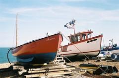 Deal Beach - Kent (35mm) (jcbkk1956) Tags: deal kent beach boats fishing seafront minoltaa5 minolta 35mm analog agfa200 film rangefinder rokkor 45mmf28 worldtrekker