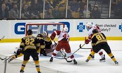 #20 Drew Miller scores, 5-1 Detroit (Odie M) Tags: nhl hockey icehockey boston tdgarden preseason teamsport sport ice goalie goal scores shot bostonbruins detroitredwings drewmiller lukeglendening jessegabrielle antonblidh danielvladar linusarnesson
